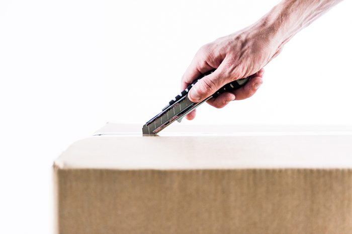 box-cutter-moving-open