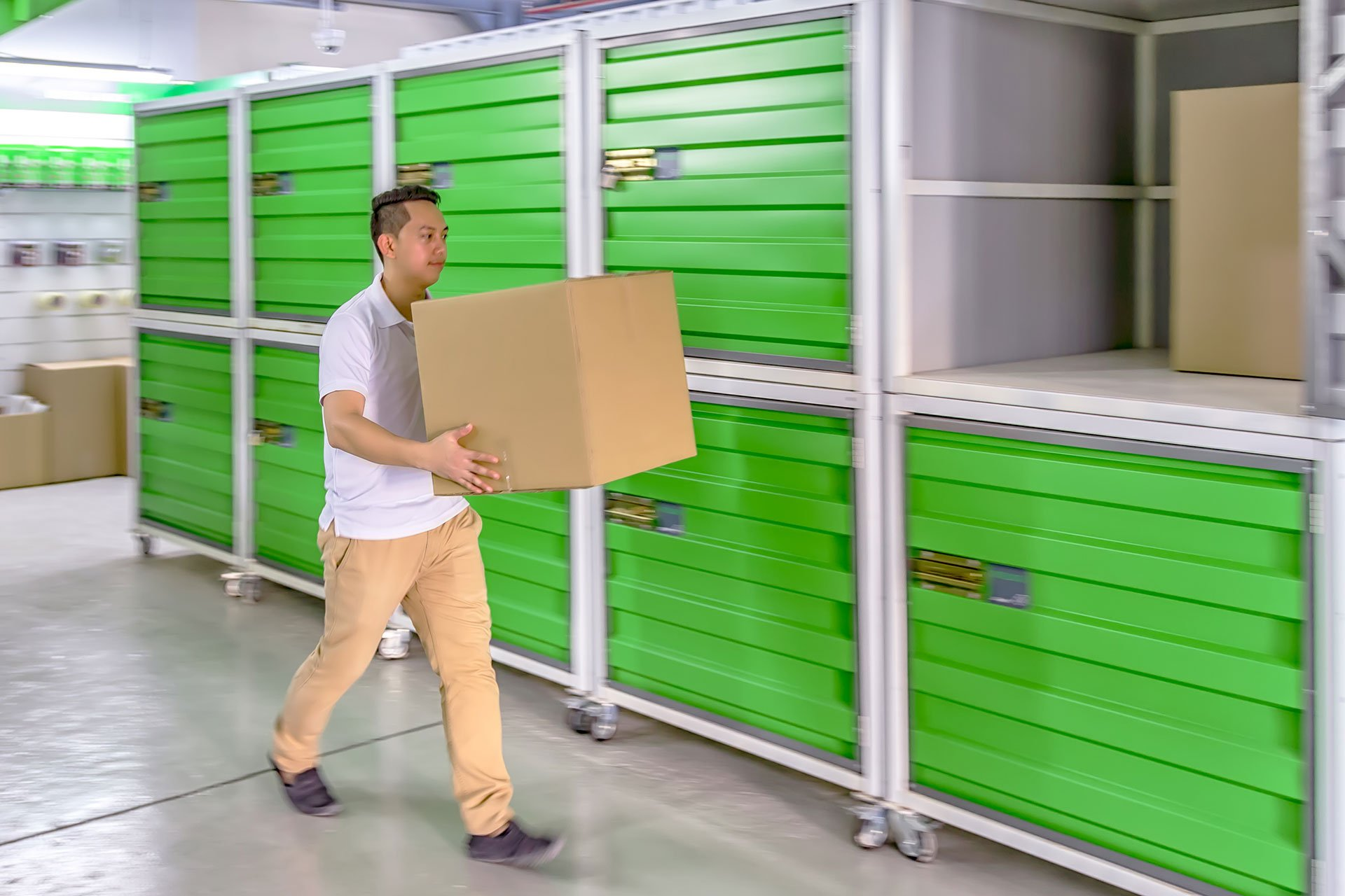 free-moving-self-storage-space